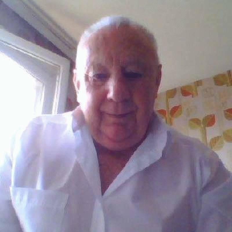 ROBERT 77 ans Roanne