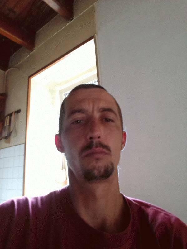 Steve  35 ans Belle Isle en Terre