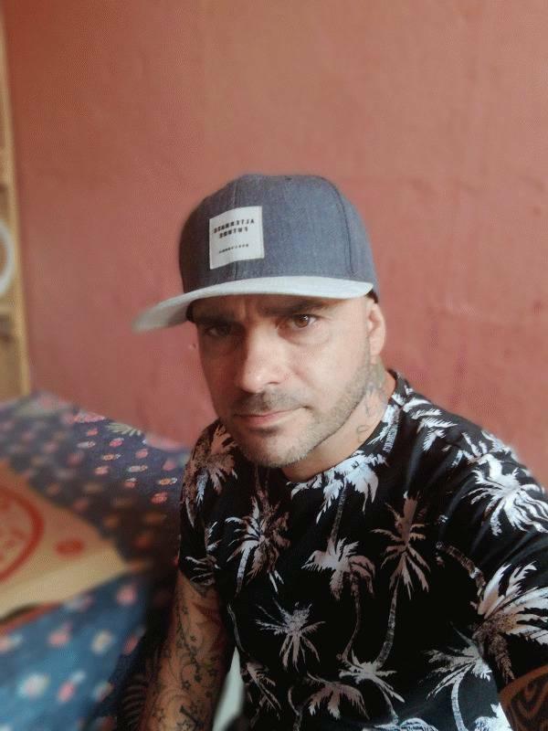 Pedro Brito 42 ans Divonne les Bains