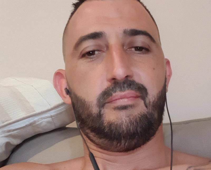 Éric  39 ans Grasse