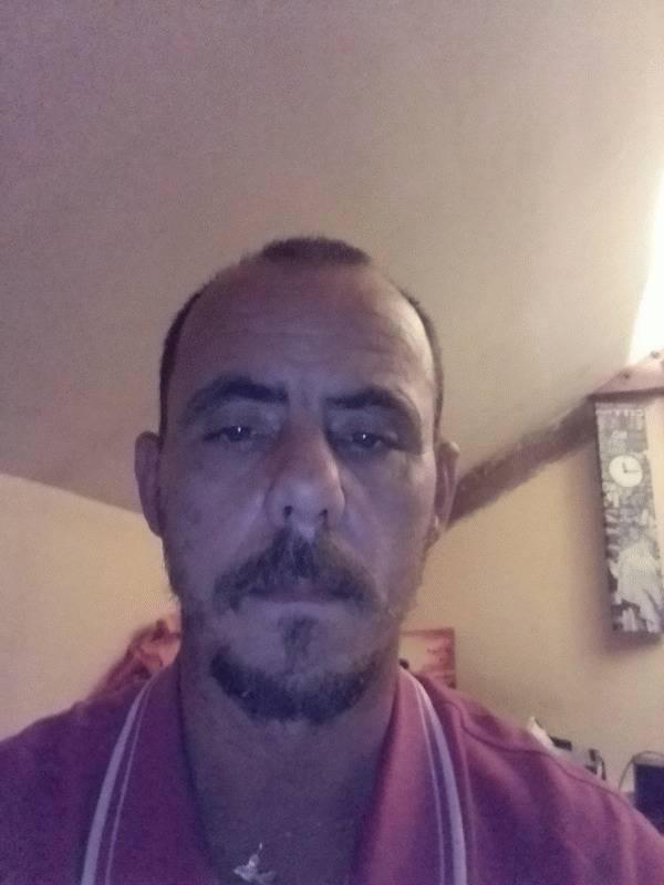 David 42 ans Mansigné