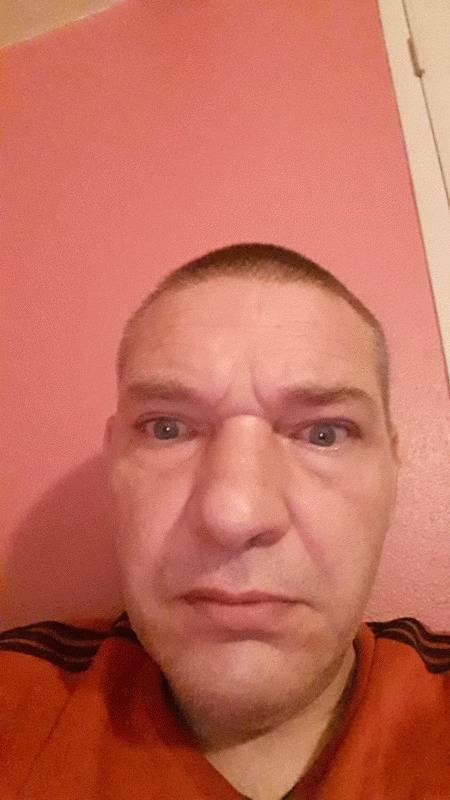 BADAS  49 ans Aubigny sur Nère