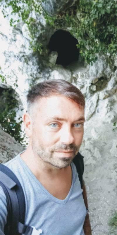 Charly  42 ans Aix les Bains