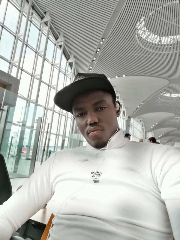 ISMAEL MAHAMAT  24 ans Amiens