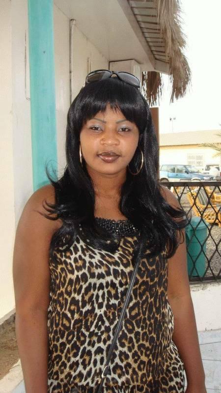 Anissa  35 ans Fontenay en Parisis