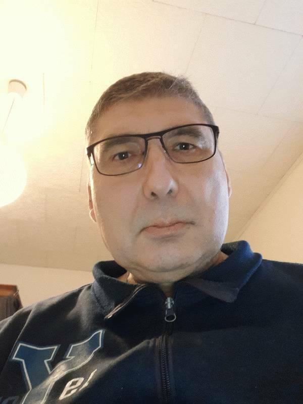 Jean-pierre  64 ans Chauny