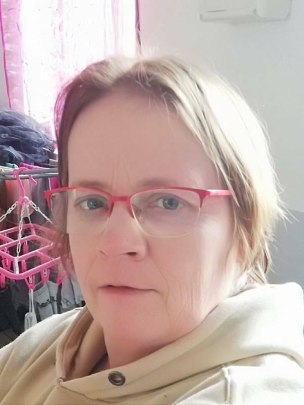 Karine  50 ans Busigny