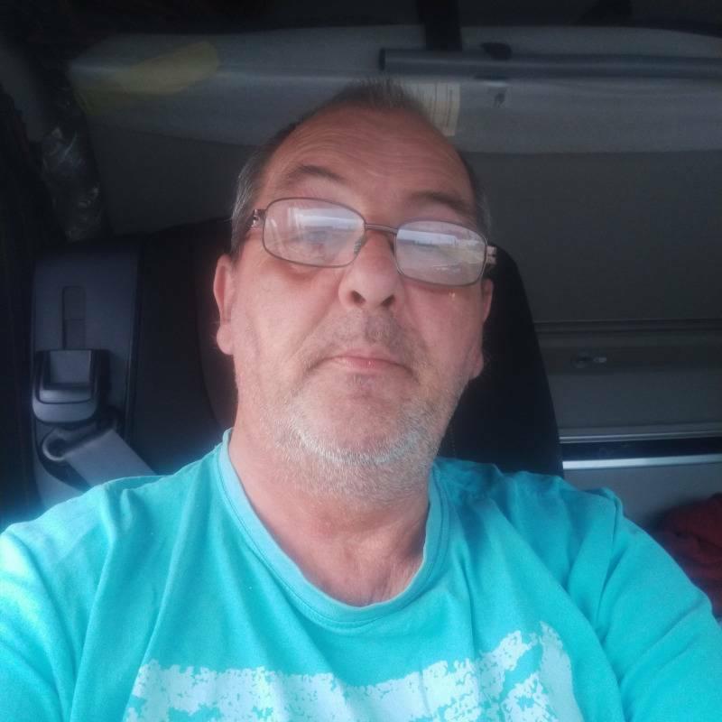 Jean 58 ans Lamballe