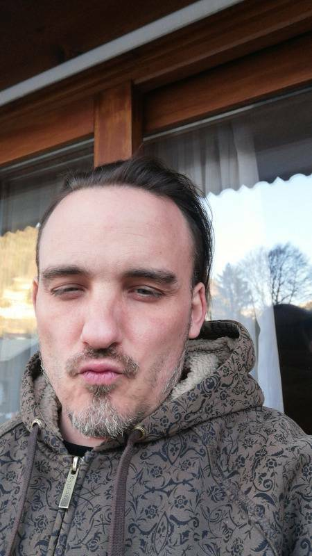 Stephane  40 ans Arbori