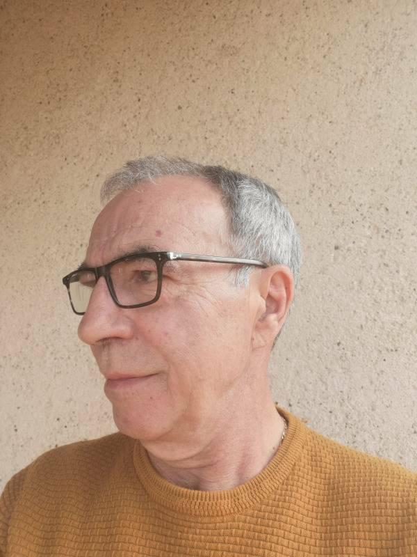 Daniel 66 ans Montayral
