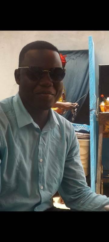 Houzou 38 ans Niort