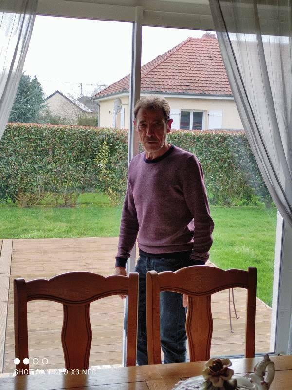 Joël  70 ans Bernay