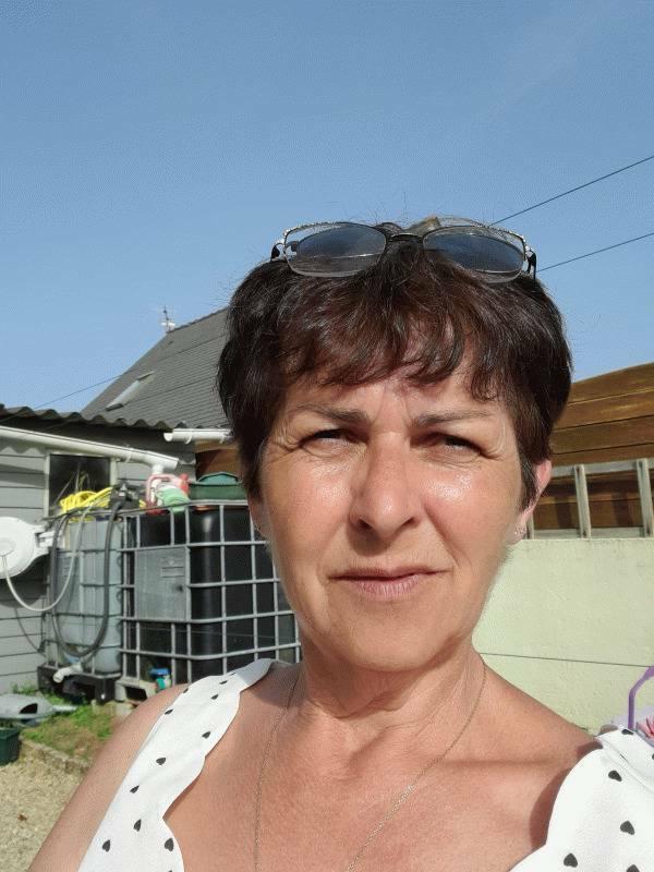 Nathalie 52 ans Belz