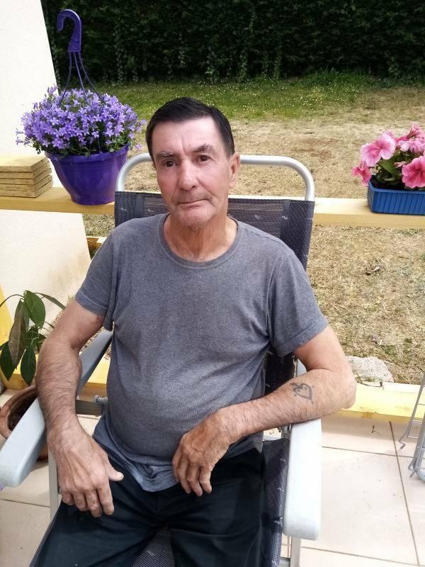 Jacky 64 ans Sainte Livrade sur Lot
