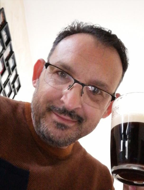 site de rencontre gratuit pour les homme gay bar à Marignane